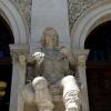 Estatua Ignacio Jordán de Asso. Fachada Edificio Paraninfo